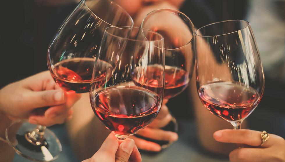 DRIKKER MINST: Nordmenn drikker minst alkohol i Norden, ifølge en ny rapport. Illustrasjonsfoto: Shutterstock / NTB Scanpix