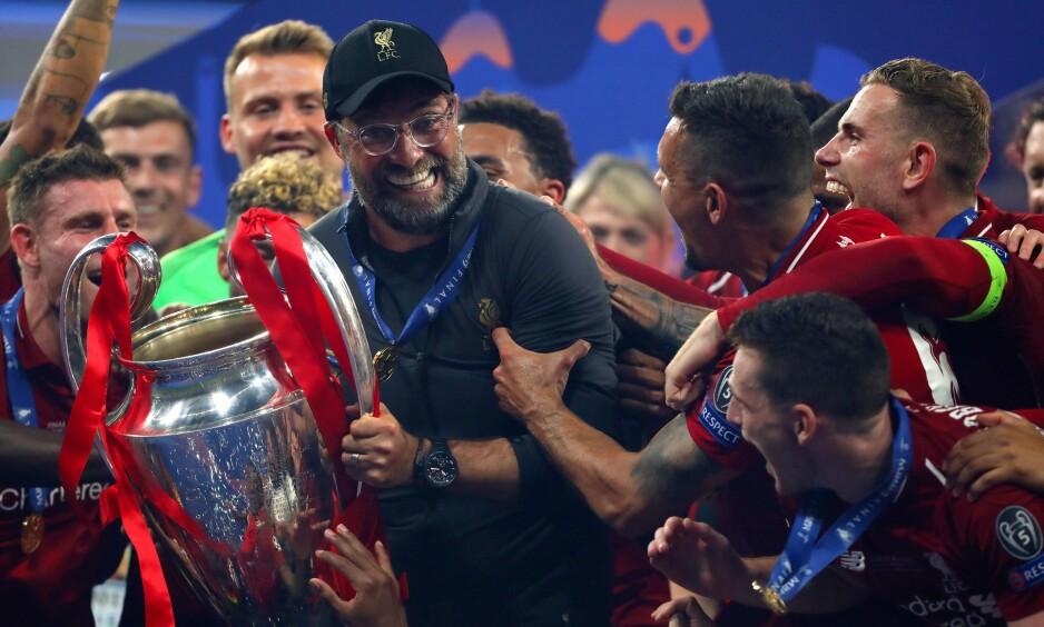 HOLD FAST: Jürgen Klopp hadde et godt grep rundt Champions League-trofeet da Liverpool slo Tottenham i finalen i juni. Det skal bli tøft å forsvare tittelen. Foto: Shutterstock Editorial.