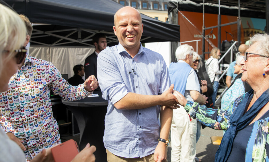 SMILER BREDT: Senterpartiet har verdens breiest smilende partileder, skriver kronikkforfatter Erik Solheim om Trygve Slagsvold Vedum (bildet). Men også MDG ligger an til stor framgang, skriver Solheim. Foto: NTB Scanpix