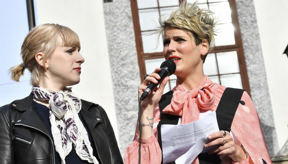 Cissi Wallin (venstre) risikerer to års fengsel for ærekrenkelser mot Fredrik Virtanen. Hun omtaler situasjonen som «surrealistisk». Foto: NTB Scanpix