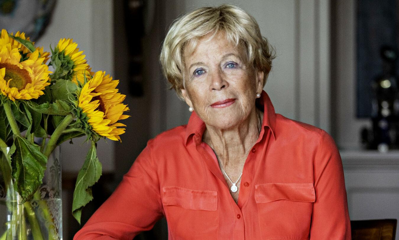 TØFF TID: Grete Roede har sluttet på alle medisiner og behandling. Nå går hun inn en i prosess hun vet utgangen på. - Jeg er redd for alt. Egentlig. Alt det som er ukjent. Så jeg håper jeg har det bra lenge, og så pang, så er det slutt. Foto: Jørn H. Moen