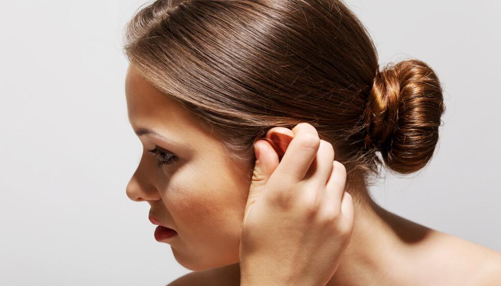 PLAGSOM ØRELYD: Tinnitus rammer hver sjette nordmann, og 85 000 er så plaget at det går ut over evnen til å mestre hverdagen. FOTO: NTBScanpix
