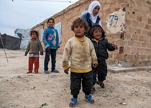 UTEN HÅP: De internerte flyktningene i al-Hol-leiren går rundt uten mål og mening. Håpet om en bra framtid svinner. Foto: Fadel Senna / Afp / Scanpix