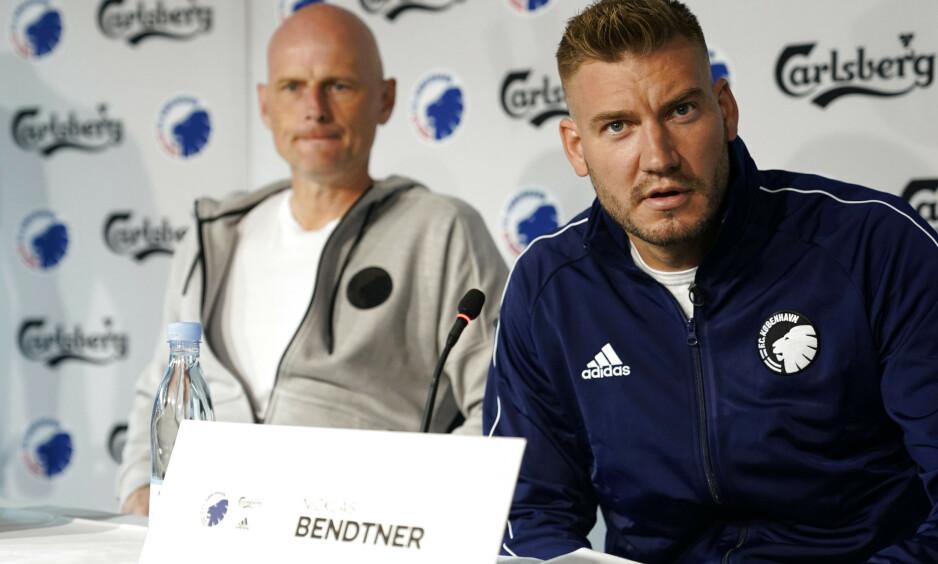 JEVNLIG SMS-DIALOG: Ståle Solbakken har også hatt møte med Nicklas Bendtner i forkant av signeringen. Foto: Niels Christian Vilmann / NTB Scanpix