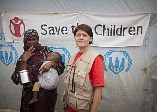 I FELT: Spesialrådgiver Randi Saure: Her på jobb i Etiopia for Redd Barna. Foto: Inge Lie/Redd Barna