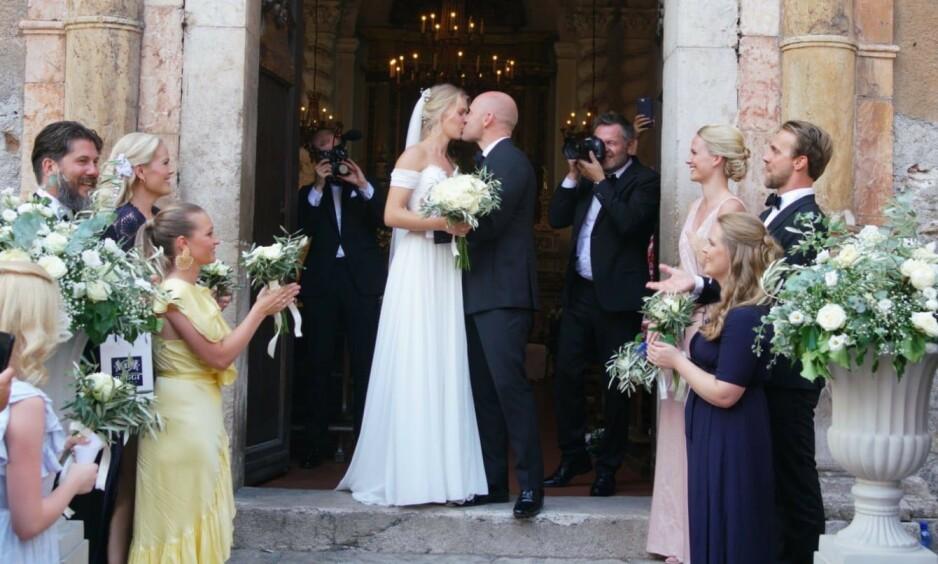 MANN OG KONE: Aksel Hennie og Karoline Hegbom giftet seg fredag 6. september. Foto: Se og Hør