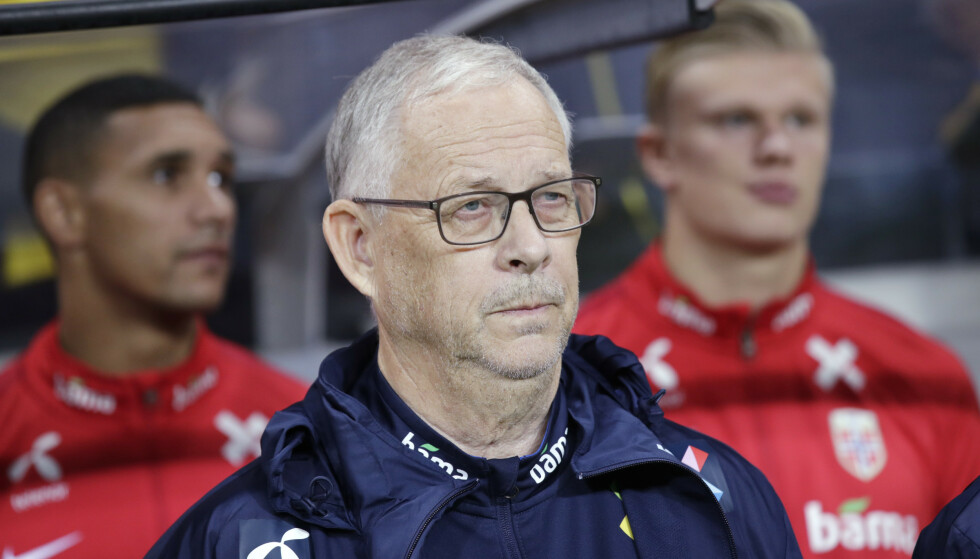 FORNØYD: Lars Lagerbäck virket fornøyd med sine gutter etter kveldens uavgjort mot Sverige. Foto: Stian Lysberg Solum / NTB scanpix