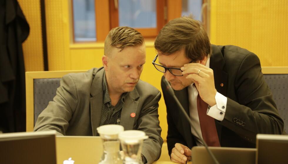 I RETTEN: Styreleder Morten Malmin I bompengepartiet FNB sammen med advokat John Christian Elden. Foto: Jørn H. Moen / Dagbladet.