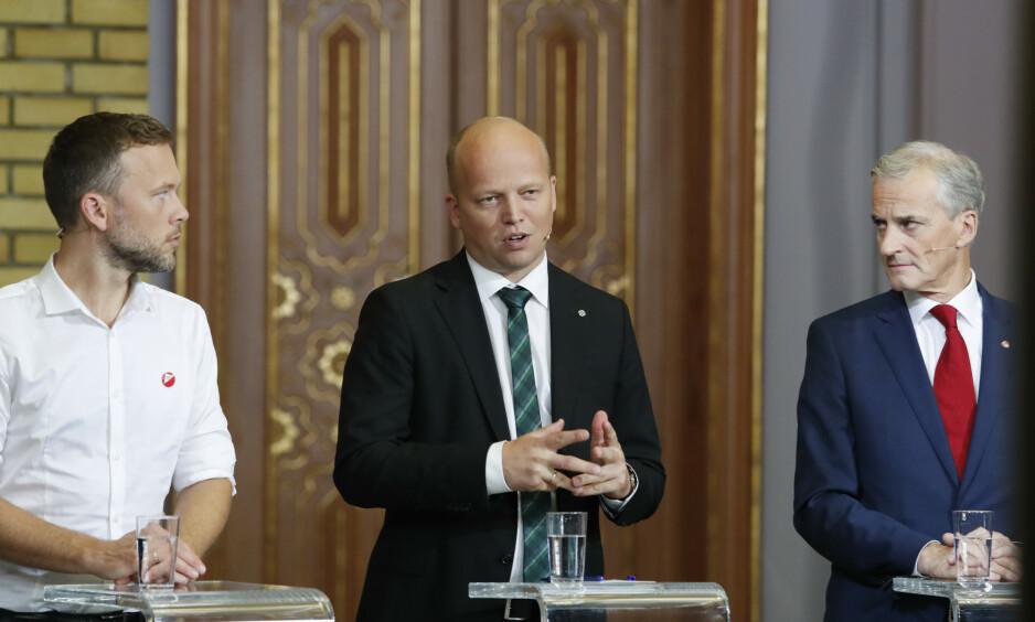 I SKYGGENE: Audun Lysbakken (Sv), Trygve Slagsvold Vedum (Sp) Jonas Gahr Støre (Ap) under partilederdebatten på Stortinget i går. Lysbakken er på vinnerlaget, men fremdeles i skyggene. Foto: Terje Bendiksby / NTB Scanpix