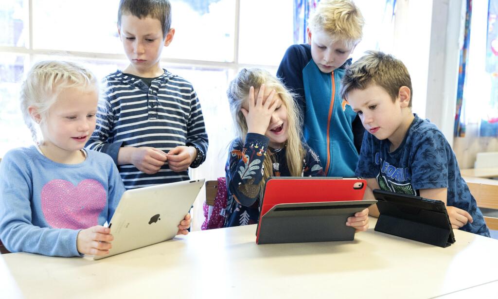 LETTERE: I samfunnet for øvrig bruker vi teknologi for å gjøre hverdagen lettere. Hvorfor skal ikke barn i skolen få samme mulighet, spør innsenderen. Foto: Gorm Kallestad / NTB Scanpix