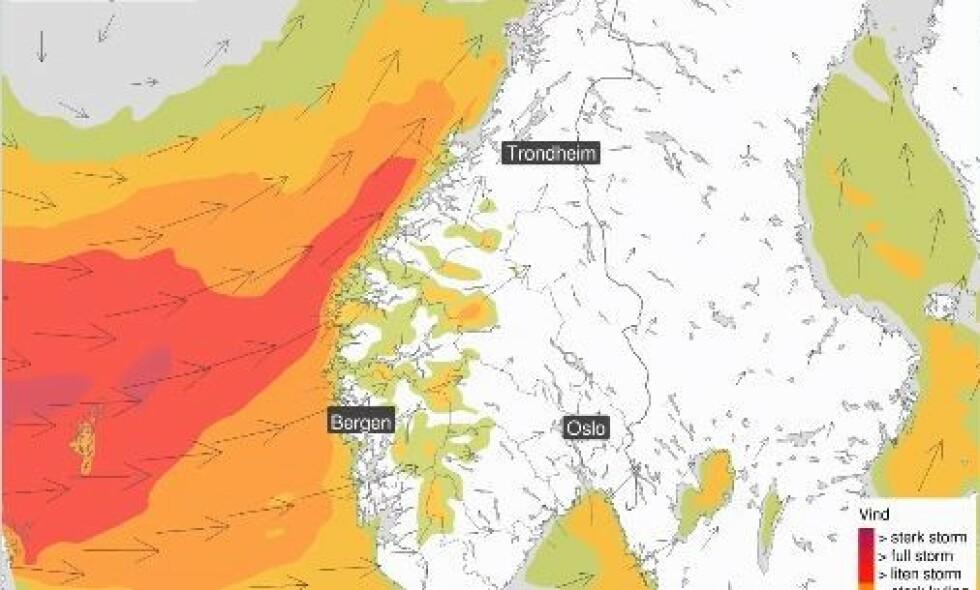 TROPISK: Det er sendt ut gult farevarsel på store deler av Vestlandet som følge av uværet som kommer inn over Norge i løpet av helga.