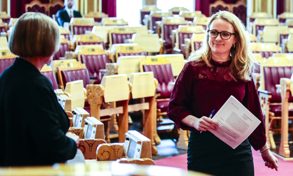 FFO mener det er dypt urettferdig og lite solidarisk av regjeringen og arbeidsminister Anniken Hauglie (bildet), å foreslå at uføre skal straffes for at ikke flere arbeidsføre står i jobb til de fyller 67 år, skriver innsenderen. Foto: Lise Åserud / NTB Scanpix