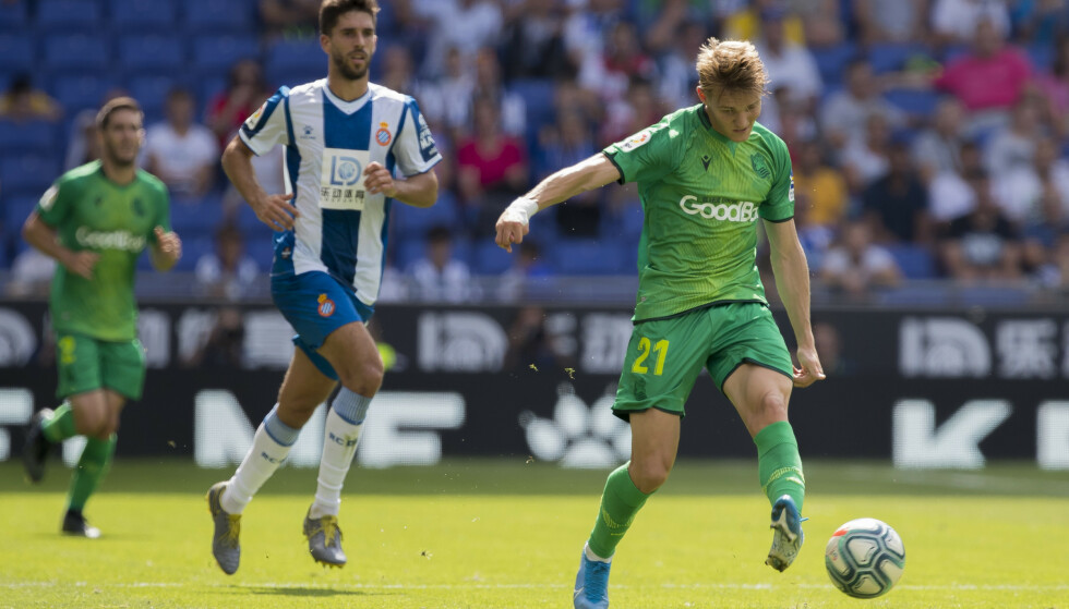 FANT MEDSPILLER: Martin Ødegaard serverte en strøken gjennombruddspasning med utsida av venstrebeinet. Det endte med mål for Real Sociedad. Foto: NTB Scanpix