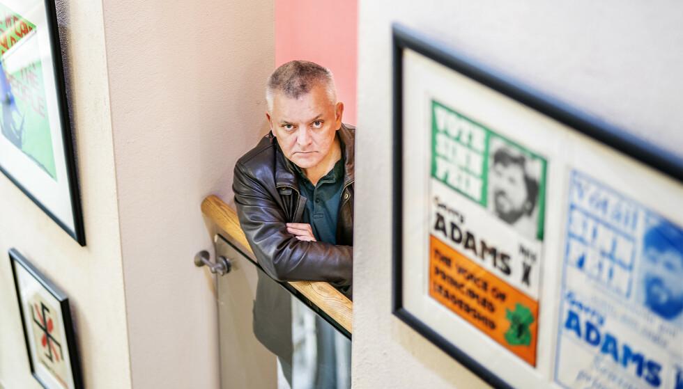 KRIGSERKLÆRING: Da «Nye IRA» kom med sin krigserklæring i 2012, valgte de å gå gjennom tidligere The Gurdian-journalist Henry McDonald. Han ble ført i en bil ut av Derry, én time vestover og til en øde landvei. Der møtte han en maskert mann med en beskjed. Foto: Hans Arne Vedlog / Dagbladet