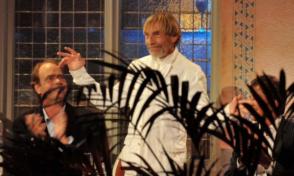 HEDRET: I 2012 ble Jahn Teigen innlemmet i Rockheim Hall of Fame i Trondheim. Ved hans side var manager og artist Lage Fosheim, som gikk bort året etter. Teigen tok tapet av kameraten tungt. Foto: NTB Scanpix