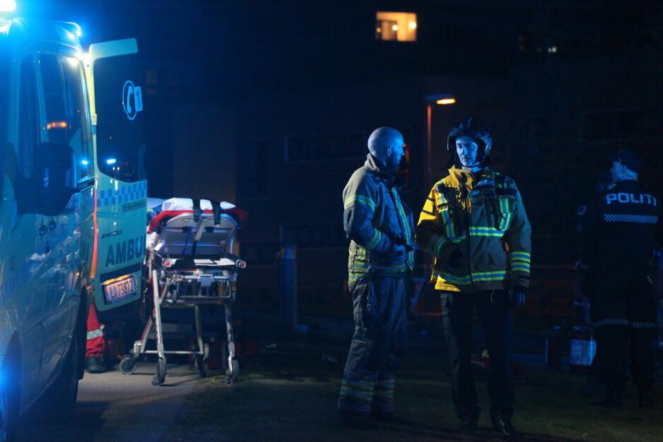 OMKOM: Én person er bekreftet omkommet etter en voldsom brann i ei boligblokk i Oslo. Foto: Frank Evensen / PhotoRunner