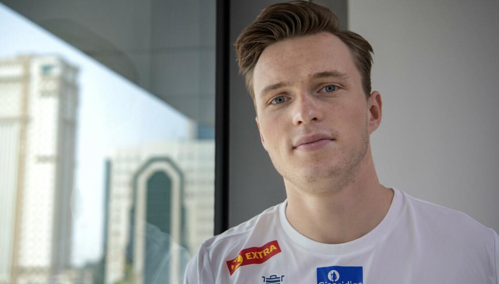 REAGERER: Karsten Warholm er ingen stor fan av at friidretts-VM arrangeres i Doha. Foto: Jessica Gow / TT