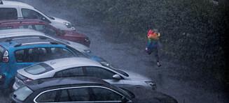Finn paraplyen - fra i kveld bøtter regnet ned