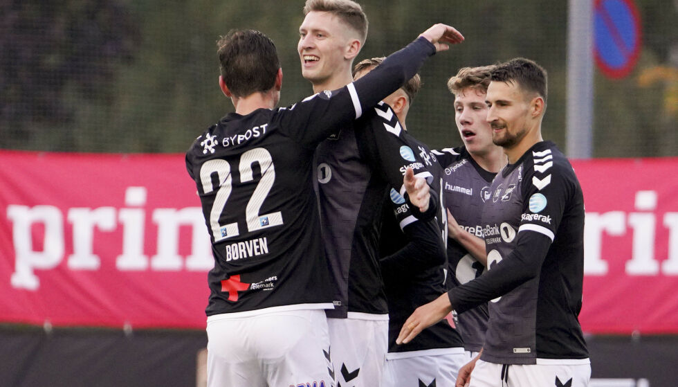 TIL SEMIFINALE: Odds Tobias Lauritsen jubler for sin 1-2-scoring under kvartfinalen. Foto: Fredrik Hagen / NTB scanpix