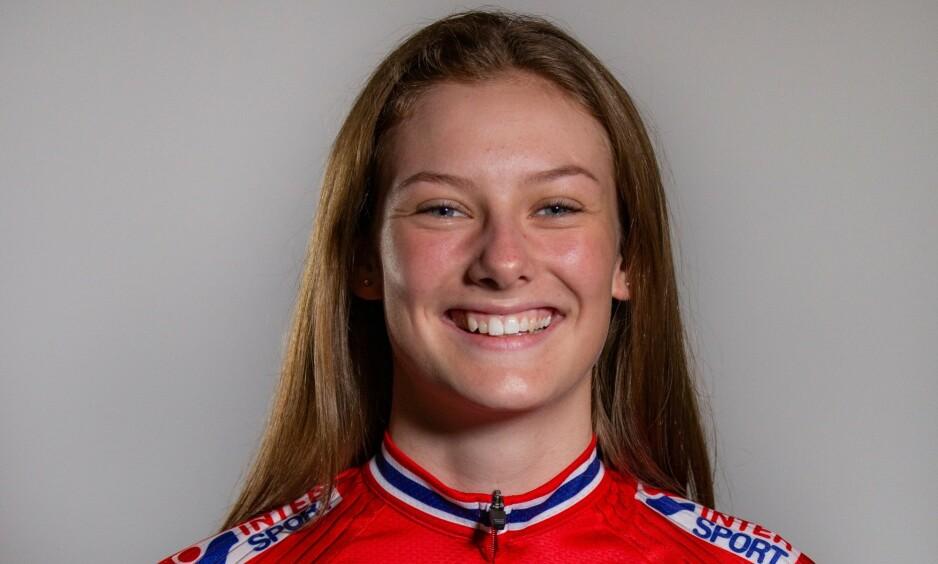 TIL SYKEHUS: Natalie Midtsveen veltet stygt i sykkel-VM for juniorer. Foto: Norges Cycleforbund / Lars Doksæter