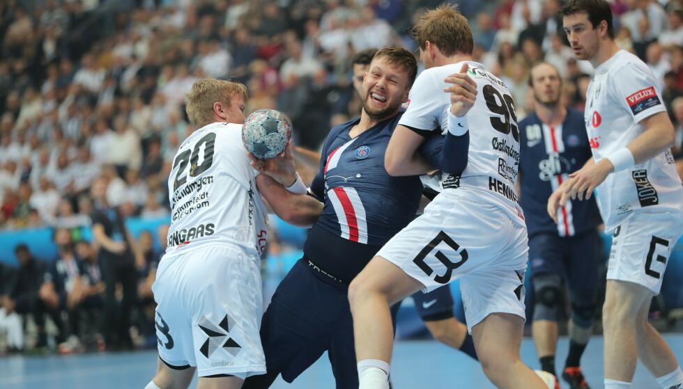 TØFT: Elverums menn kjempet hederlig - og vel så det - mot PSGs stjernegalleri. Foto: Geir Olsen / NTB scanpix