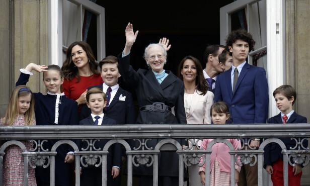 BARNEBARN: Her er dronning Margrethe avbildet på sin 78 årsdag i 2018 med flere av barnebarna sine. Foto: Mads Claus Rasmussen / NTB scanpix