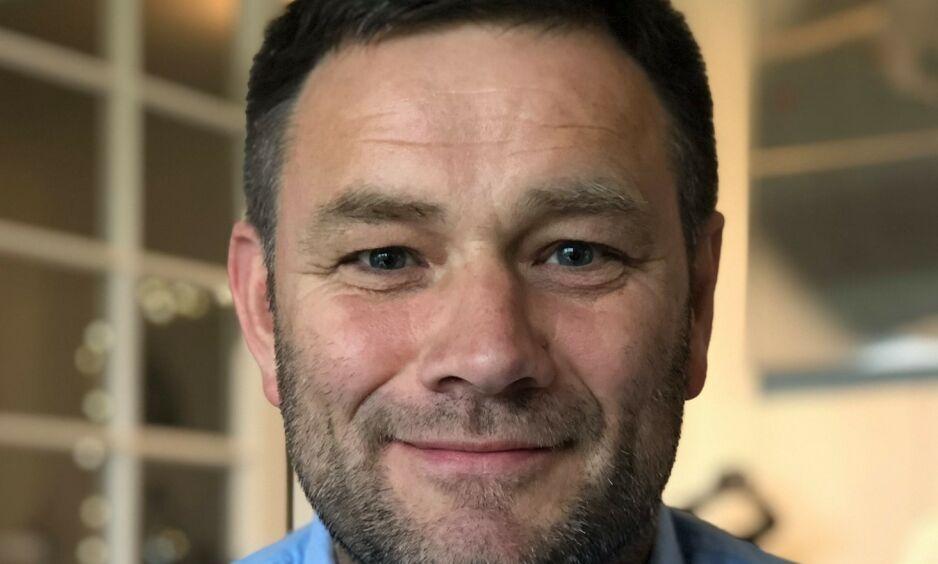 TILTALT: Arne Viste (52) står kommende uke tiltalt i Oslo tingrett for å ha ansatt asylsøkere uten opphold. Viste har meldt seg selv til politiet, og lenge prøvd å få saken for retten. Det får han nå. Foto: Privat