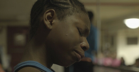 TUNGT: Filmen følger jentene gjennom opp- og nedturer. Foto: Derek Howard / Netflix