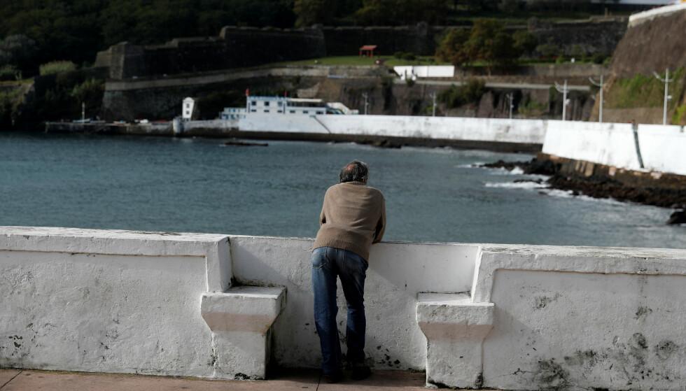 VENTER: Orkanen Lorenzo rammer Azorene i løpet av de neste dagene. REUTERS/Rafael Marchante