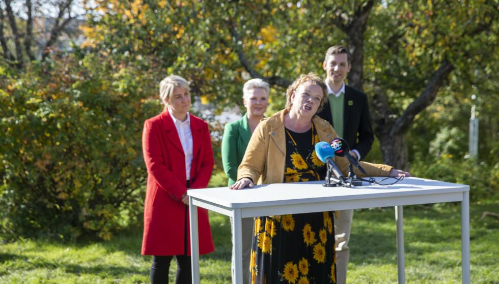 E18 I SPILL: Det rødgrønne fylkesrådet for Viken sier nei til regjeringens planer for E18 Vestkorridoren. Fra venstre Tonje Brenna (Ap) Anne Beathe Tvinnereim (Sp), Camilla Sørensen Eidsvold (SV) og Kristoffer Robin Haug (MDG) Foto: Berit Roald / NTB scanpix