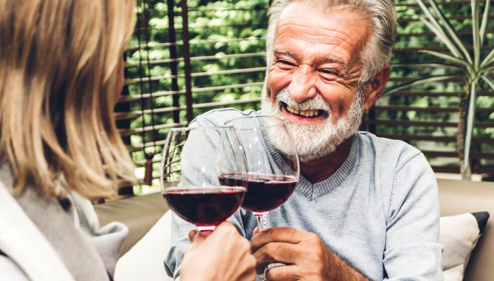 USIKKERT: Vi vet ikke om 60-åringene har doblet drikkingen, slår Faktisk fast. Foto: Shutterstock / NTB scanpix