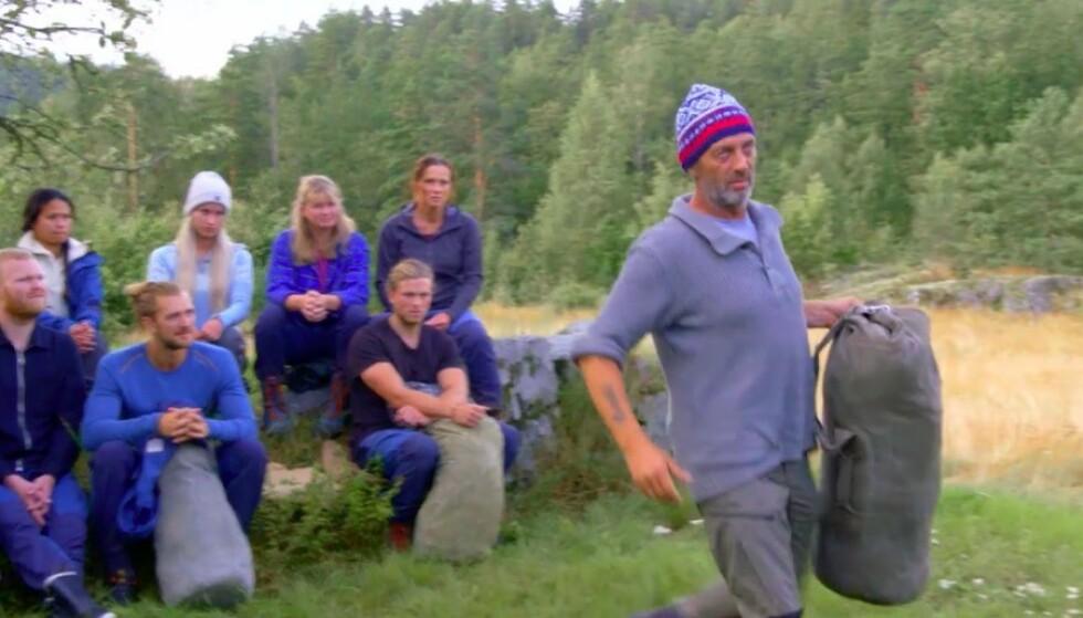 <strong>RASENDE:</strong> Leif Haugo Stavenjord forlot opptaksområdet etter utspillet fra realitykollega Vivian Kvarven (bak t.h.). Foto: TV 2