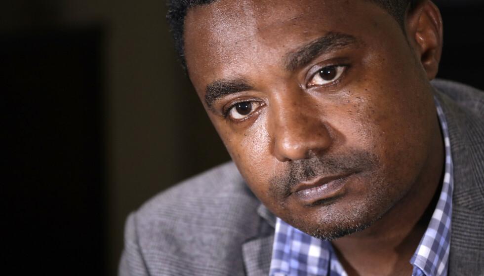 VARSLER: Yonas Yeshanew, tidligere sjefingeniør i Ethiopian Airline, kommer med nye opplysninger om hvordan flyselskapet håndterte styrten tidligere i år. Foto: Elaine Thompson / AP Photo / NTB Scanpix