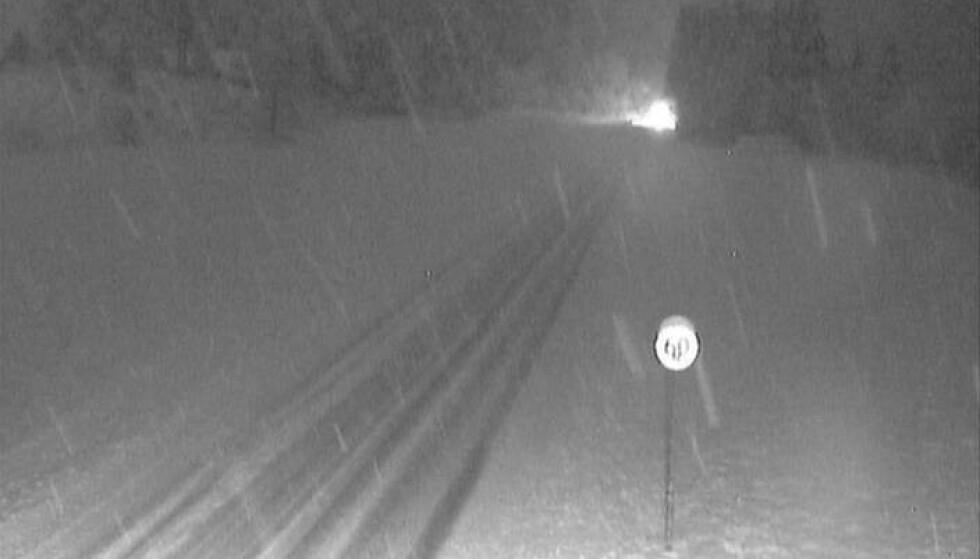 VINJE: Skal du kjøre på E134 ved Vinje, så kan det være lurt å bruke vinterdekk. Foto: Statens vegvesen