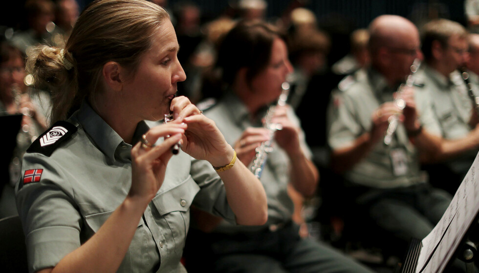 ØVER: Forsvarets musikere øver i forkant av en konsert. Foto:  Torbjørn Kjosvold / Forsvaret / Forsvarets Mediearkiv.