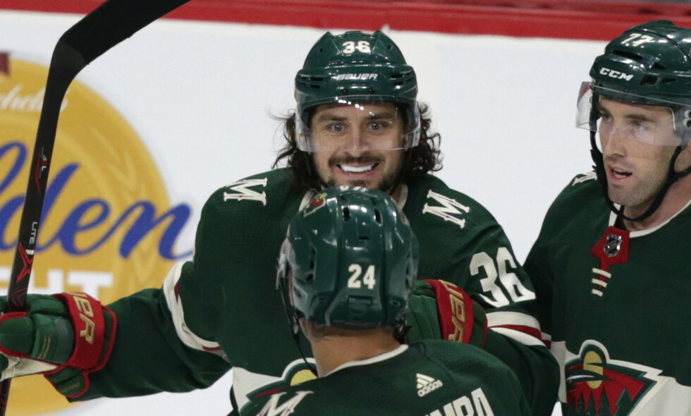 SKADET: Mats Zuccarello (36) sliter med en skade. Foto: AP Photo/Andy Clayton-King