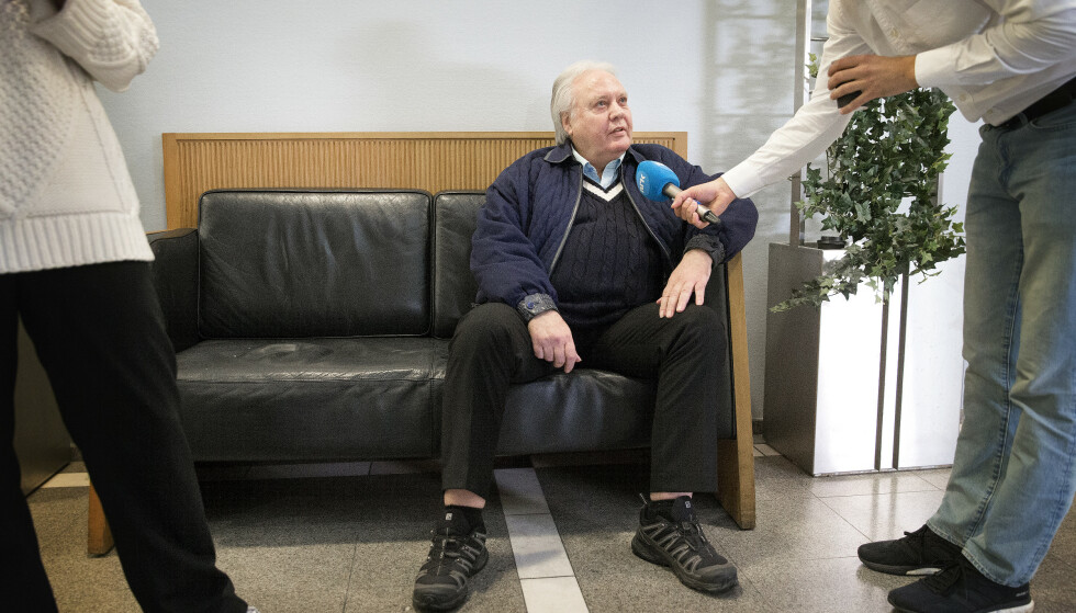 FORKLARER SEG: Kunsthandler Per Orveland vitner i retten i dag. Foto: Henning Lillegård