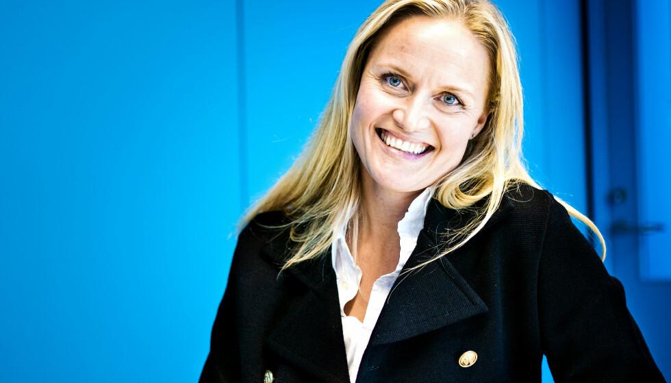 STARTET SPARING TIDLIG: Kristine Grinderud (39) begynte å spare i fond før hun var 30. Selv om pengene trolig skal gå til fremtidig pensjon, kaller hun det ikke pensjonssparing. - Pensjonisttilværelsen er for mange veldig langt frem, og det er nok ikke så lett å motivere seg til å legge av penger til pensjon i ung alder, sier hun. Foto: John Terje Pedersen