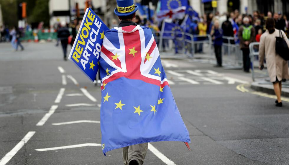 BREXIT: Storbritannia skal ut av EU 31. oktober med eller uten en avtale, sier statsminister Boris Johnson. Usikkerheten kommer til å ramme flere områder også for nordmenn, ifølge brexit-ekspert. Foto: Kirsty Wigglesworth / AP / NTB Scanpix