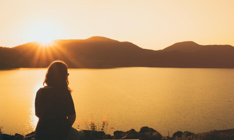 VERDENSDAGEN FOR PSYKISK HELSE: Burde være noe mer enn visdomsord på bilder av solnedgang. Foto: Shutterstock/ NTB Scanpix