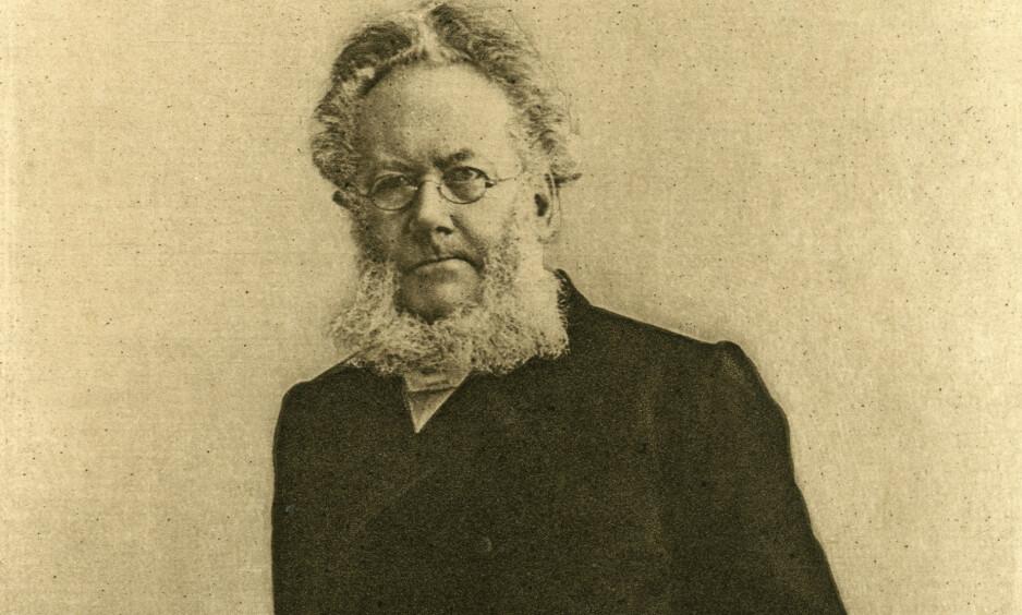 I NYTT LYS: Sverre Mørkhagens nye, store Ibsen-biografi kaster nytt lys både over dikteren og diktningen hans, mener anmelderen. Foto: NTB SCANPIX