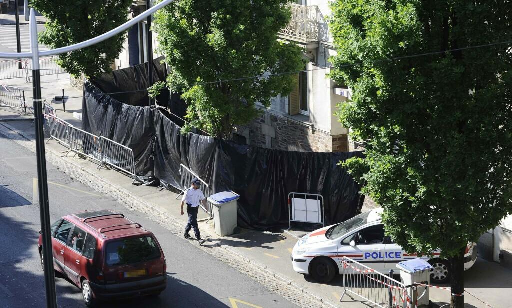 RYSTENDE: Funnet i hagen utenfor forstadsboligen rystet hele Frankrike. Foto: JEAN-SEBASTIEN EVRARD / AFP / NTB Scanpix
