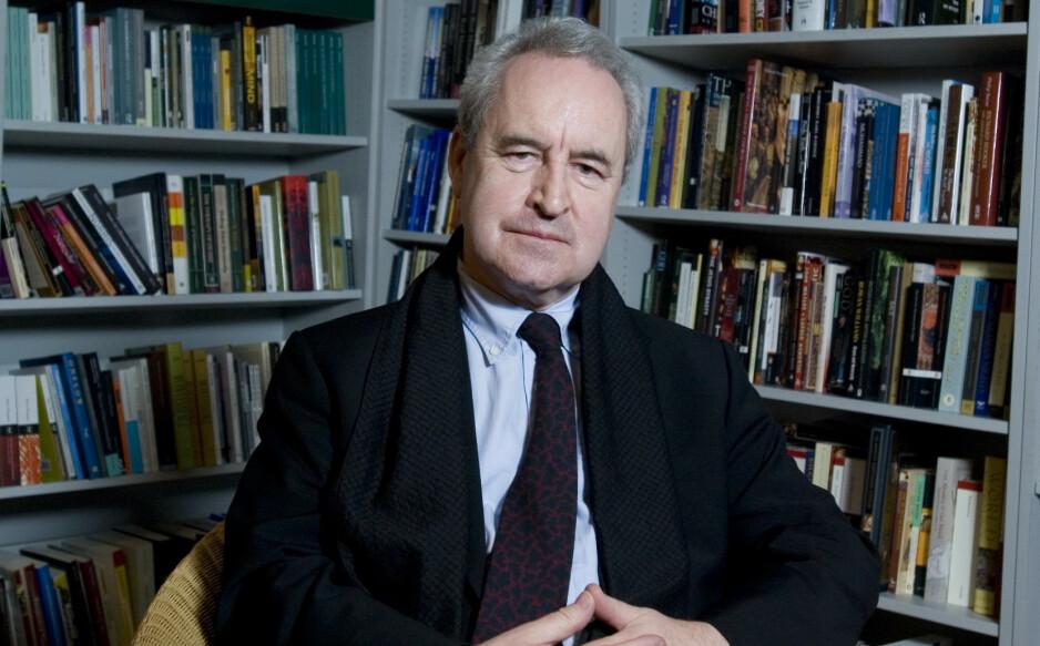 BLE LURT: Forfatter John Banville gikk fem på da en svindler fortalte ham at han hadde vunnet Nobelprisen i litteratur. Nå tror han svindelen var ment å ramme Svenska Akademien. Foto: Nick Cunard/ Rex / NTB scanpix