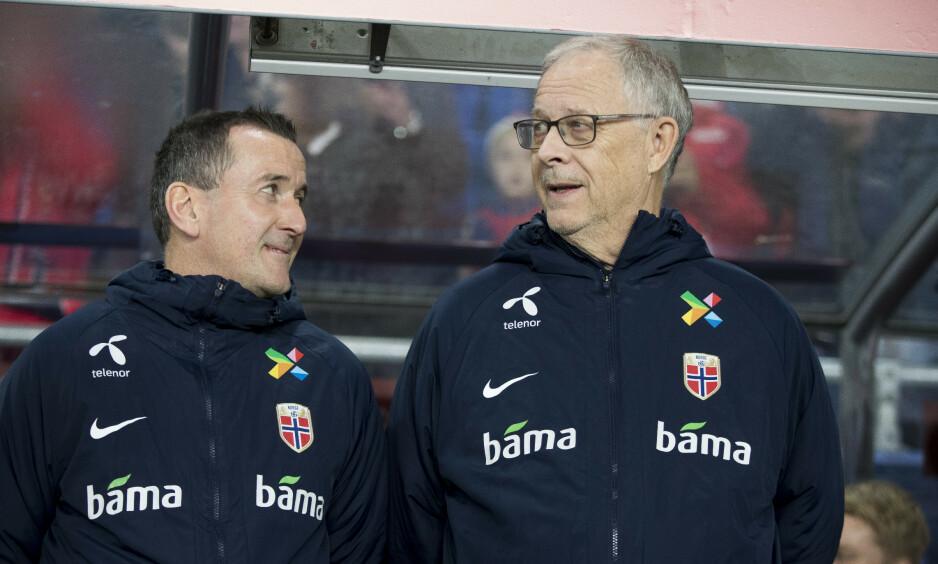 GOD HELG PÅ JOBB: Per Joar Hansen og Lars Lagerbäck var fornøyde etter 1-1-kampen mot Spania lørdag. Foto: Terje Pedersen / NTB scanpix