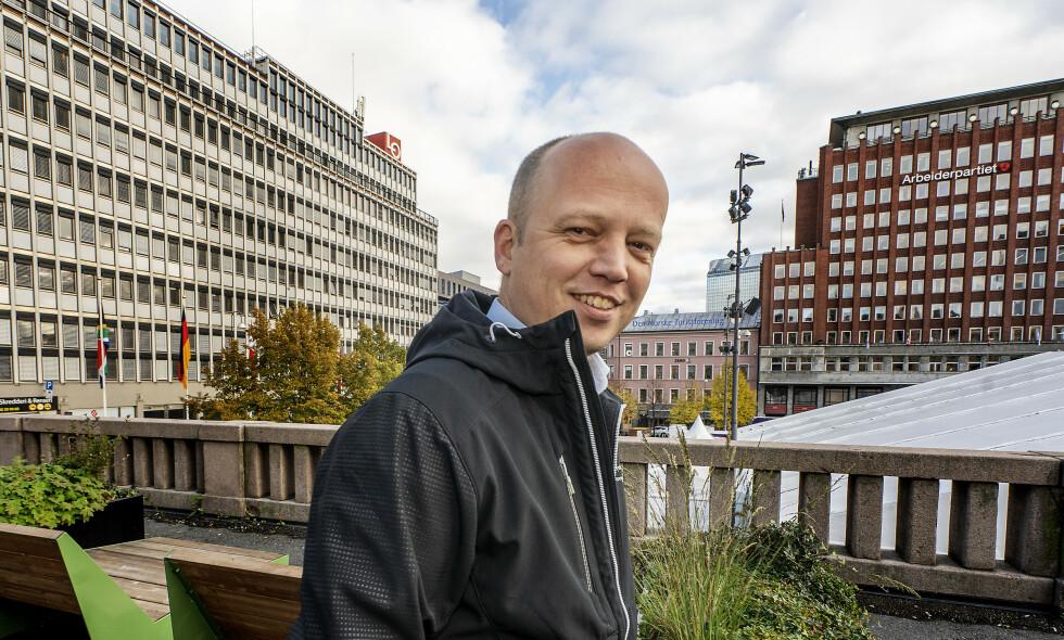 KJELEDRESS ELLER POWERPOINT: - Løsningen på klimaproblemene ligger hos dem som går med kjeledress og hjelm, ikke hos dem som går på seminar med powerpoint, sier Sp-leder Trygve Slagsvold Vedum. Foto: Hans Arne Vedlog / Dagbladet
