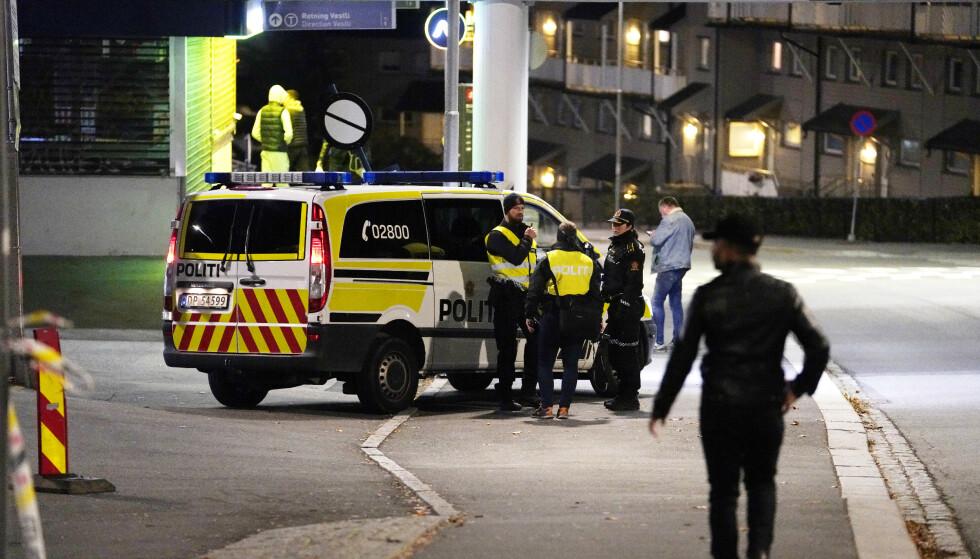 KNIVSTUKKET: 18-åringen ble knvstukket i ryggen på åpen gåte på Veitvet i Oslo. Han kom seg hjem og fikk varslet politiet. Foto: Fredrik Hagen / NTB scanpix