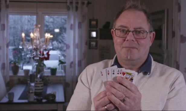 DYRE VANER: Lidenskapen for Manchester United og poker er blant det som tar store summer av Geirs inntekt hver måned. Foto: TV3