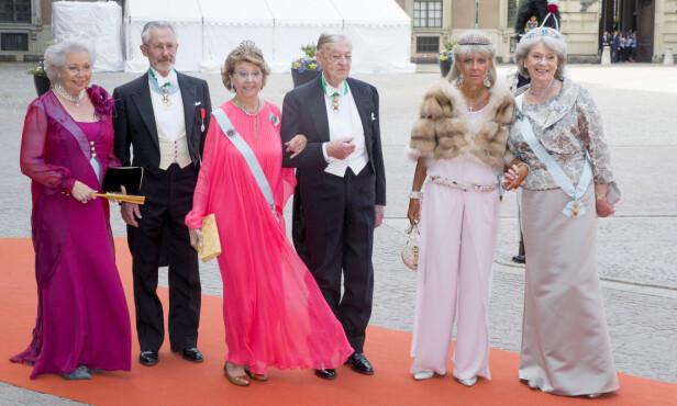 SEES IKKE: På grunn av regn og kaldt vær i Sverige, ønsker ikke prinsesse Margaretha (t.h) å reise fra England. Foto: NTB scanpix