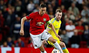 IKKE GOD NOK: Nemanja Matic er et stort, stort fotballnavn og spiller fremdeles kamper i ny og ne for Manchester Untied, men er ikke vurdert god nok for Serbias tropp i øyeblikket. Foto: Reuters/Jason Cairnduff