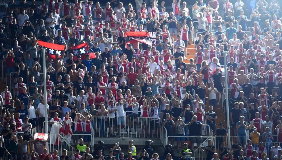 STRAFFES: Ajax supportere, her på plass i Valencia tidligere i måneden. Foto: NTB/Scanpix